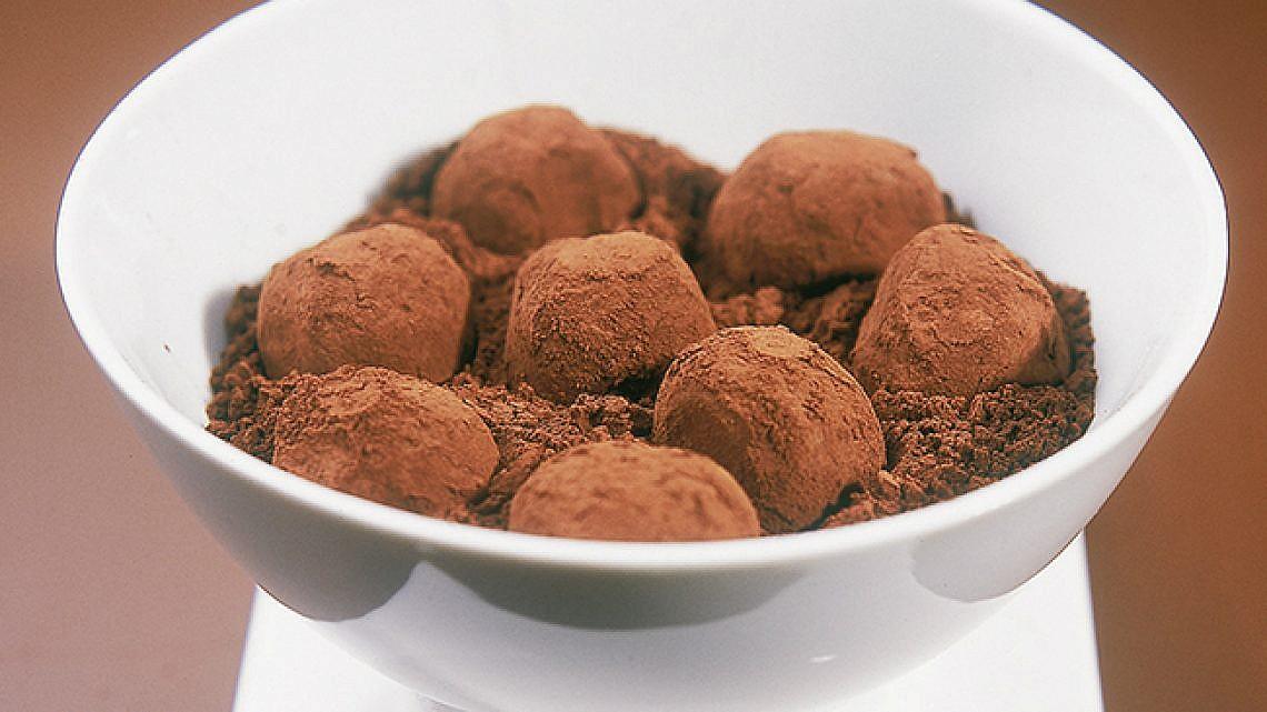 טראפלס שוקולד מריר. צילום: דניאל לילה