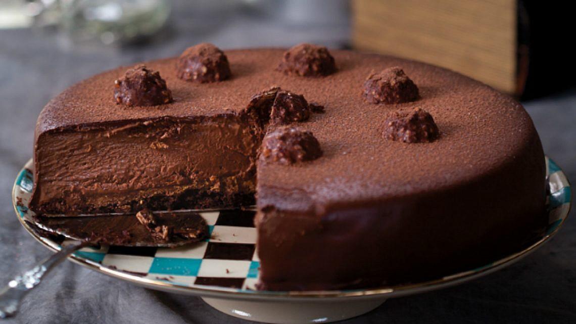 עוגת שוקולד פררו רושה. צילום: דן לב | סגנון: דלית רוסו