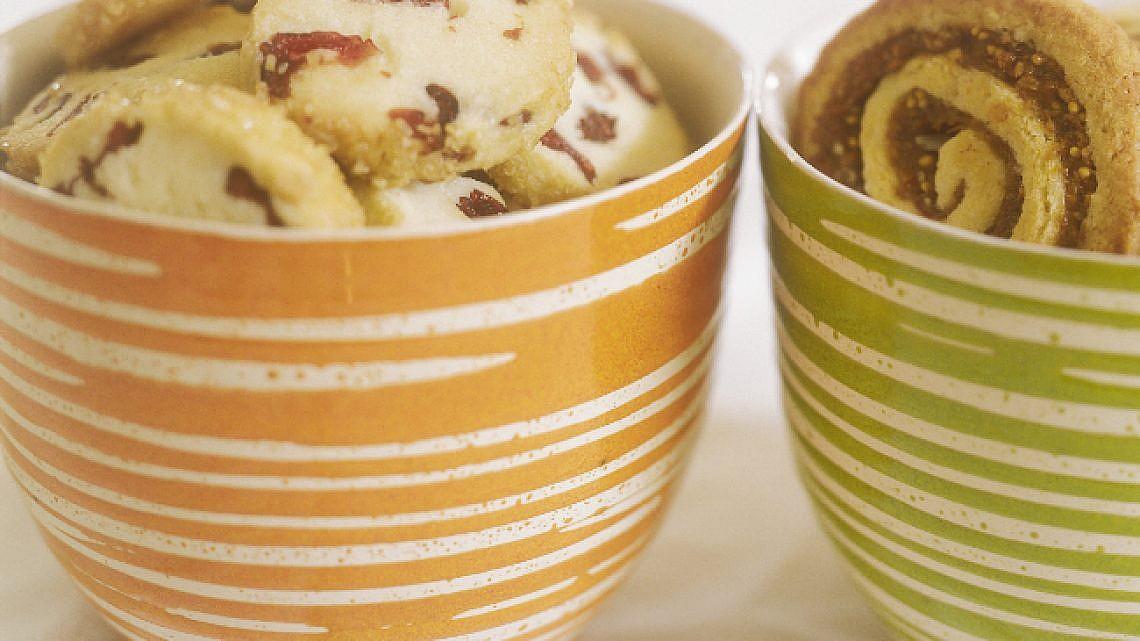 עוגיות סלייס חמאה וחמוציות. צילום: אסנת בן דב