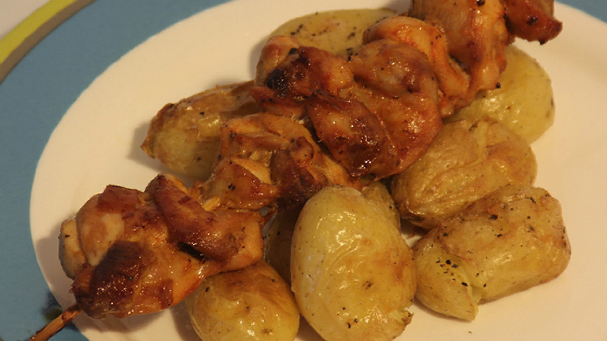 שיפודי פרגית עם תפוחי אדמה חלומיים. גלית ויובל כספי כהן