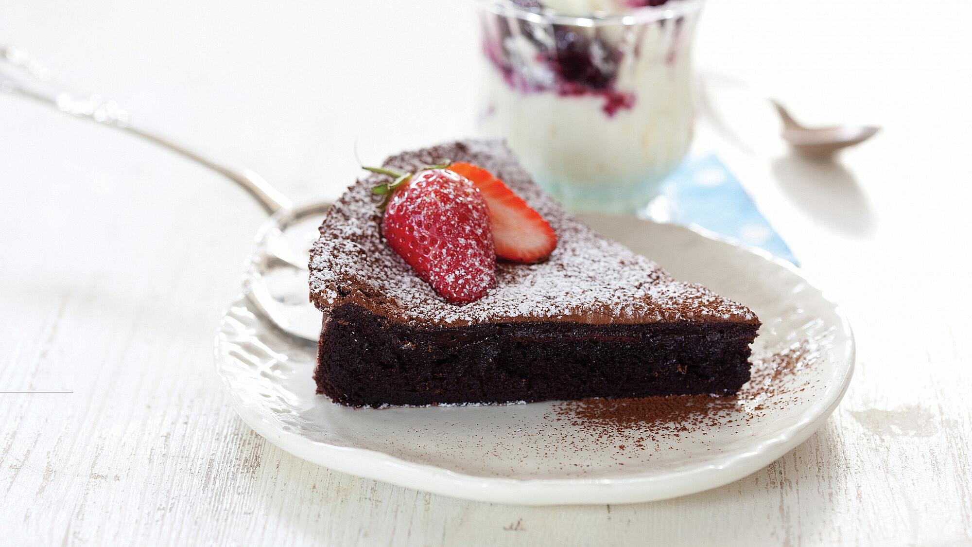 עוגת פאדג' שוקולד של אלכס לביד. צילום: דן לב | סגנון: דלית רוס