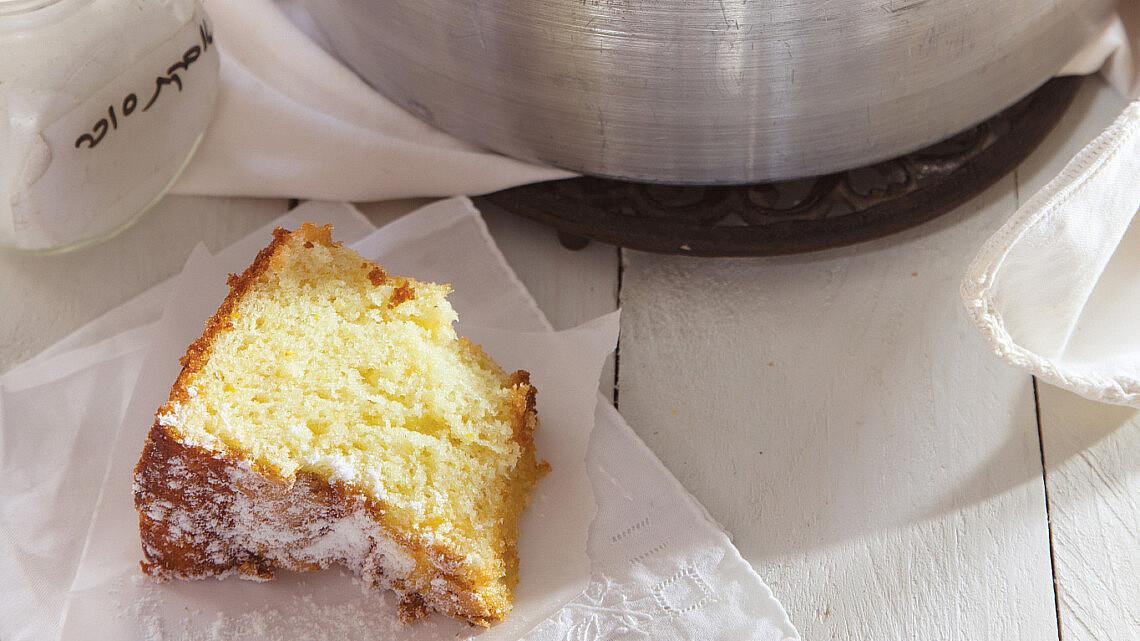 עוגת תפוזים נימוחה. צילום: דן לב   סגנון: אוריה גבע