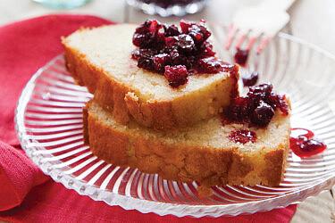 עוגת שקדים בחושה. צילום: דן לב | סגנון: דלית רוסו