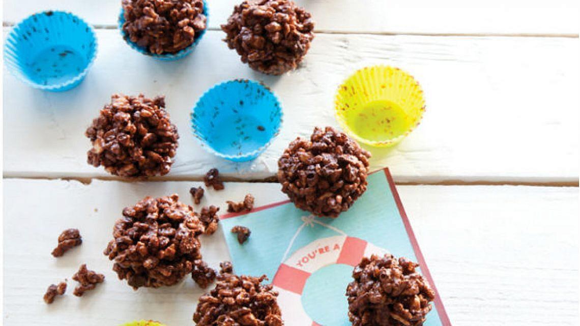 כדורי פצפוצי שוקולד וחמאת בוטנים. צילום: דן לב   סגנון: דלית רוסו