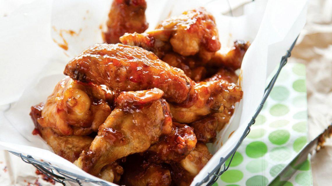 הכנפיים של Black Bar 'n' Burger. צילום: דן לב | סגנון: דלית רוסו