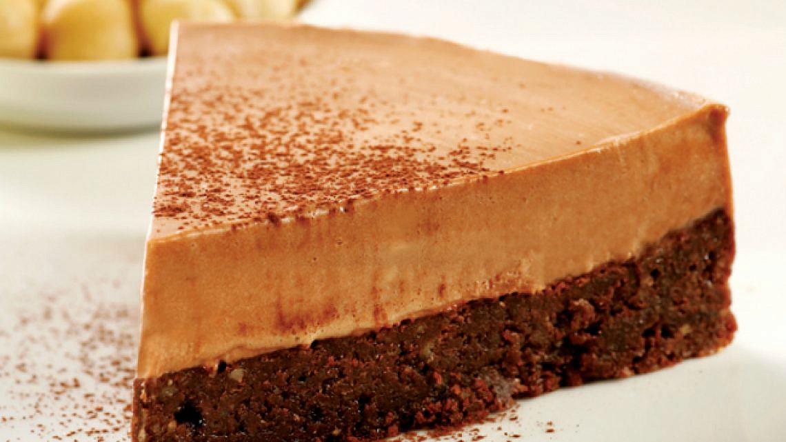 פאדג' שוקולד ומוס נוגטין. צילום: דניה ויינר | סגנון: רותם ניר