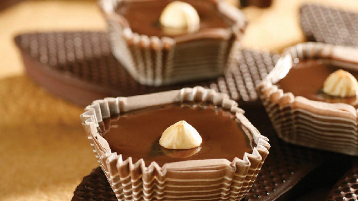 טראפל שוקולד אפוי. צילום: דניה ויינר   סגנון: רותם ניר