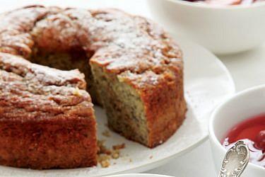 עוגת בננה עם טחינה וסילאן. צילום: דניה ויינר | סגנון: דיאנה לינדר