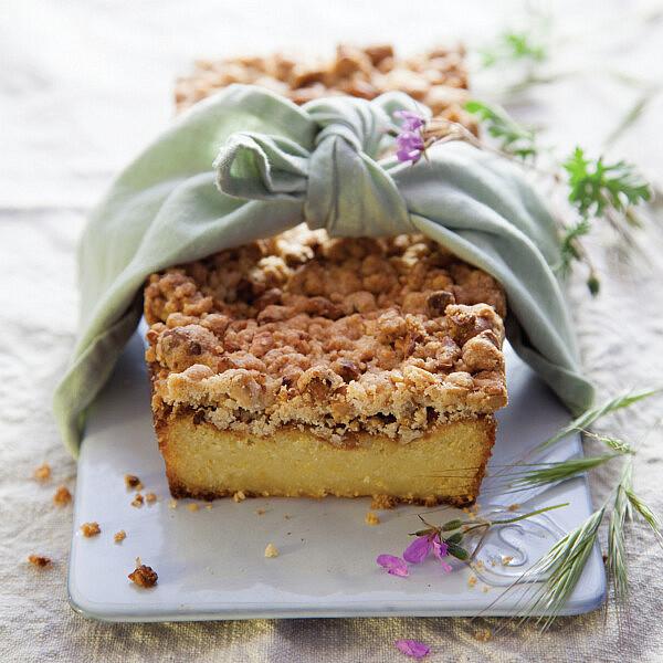 עוגת הדרים עם קראמבל קשיו. צילום: דן לב | סגנון: דלית רוסו