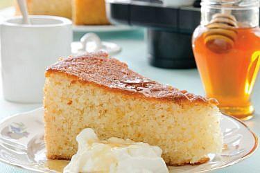 עוגת סולת יוגורט לימונית. צילום: אילן נחום | סגנון: אוריה גבע