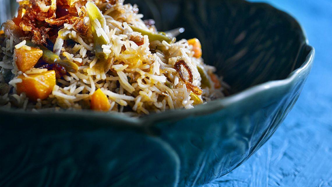 בּירְיָאני - אורז עם ירקות. צילום: רונן מנגן   סגנון: עמית פרבר