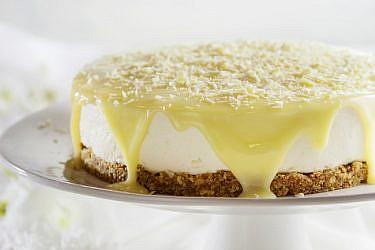 עוגת שוקולד לבן ומסקרפונה. צילום: דן לב   סגנון: אוריה גבע