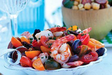 סלט שרימפס ועגבניות שרי. צילום: דן לב | סגנון: רותם ניר