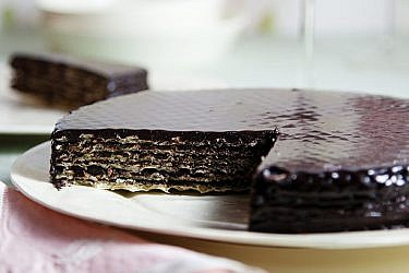 עוגת שכבות ואפל, חלבה ושוקולד. צילום: דן לב   סגנון: דלית רוסו