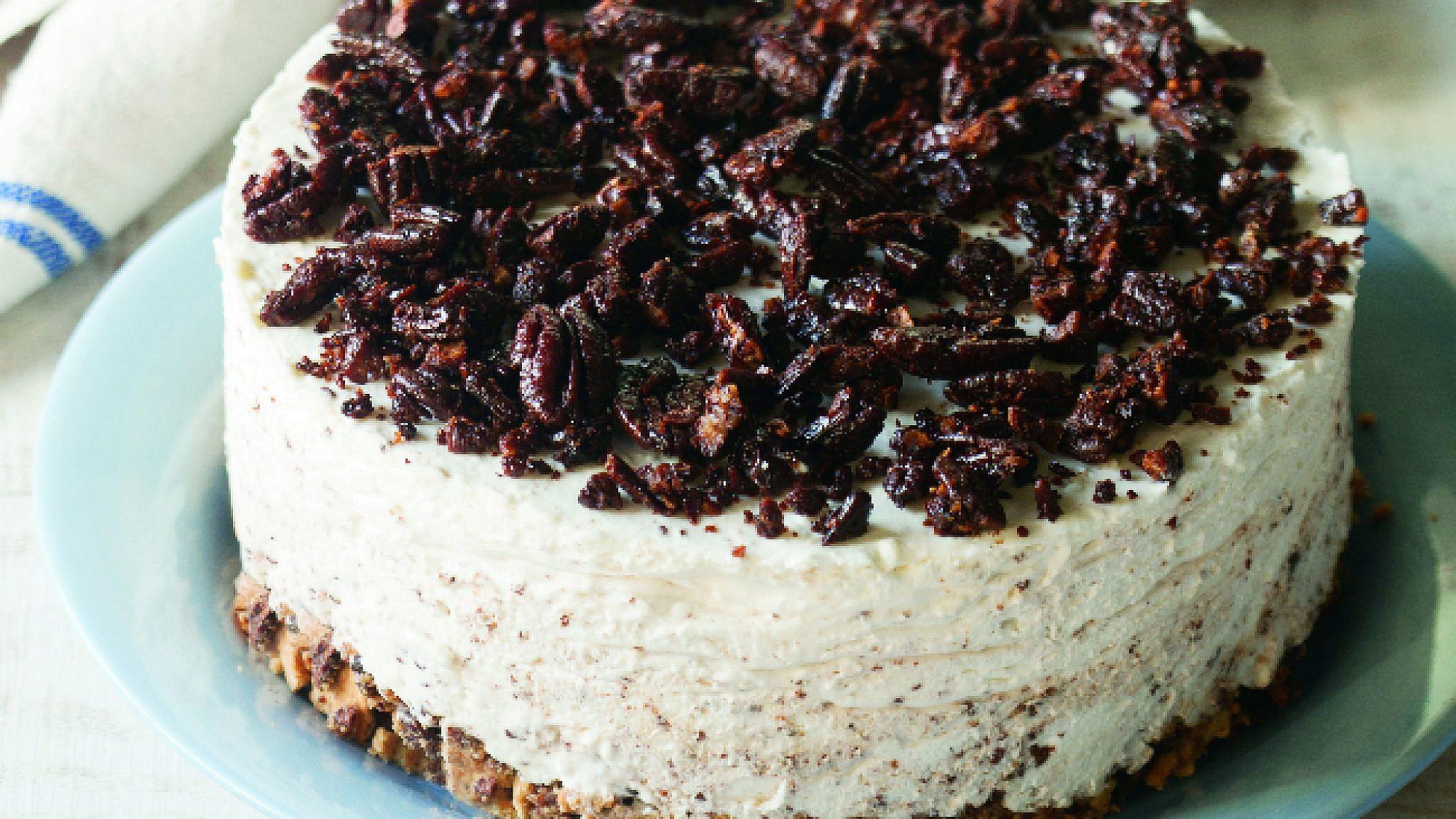 עוגת גבינה ופקאן סיני. צילום: דניאל לילה   סגנון: עמית פרבר