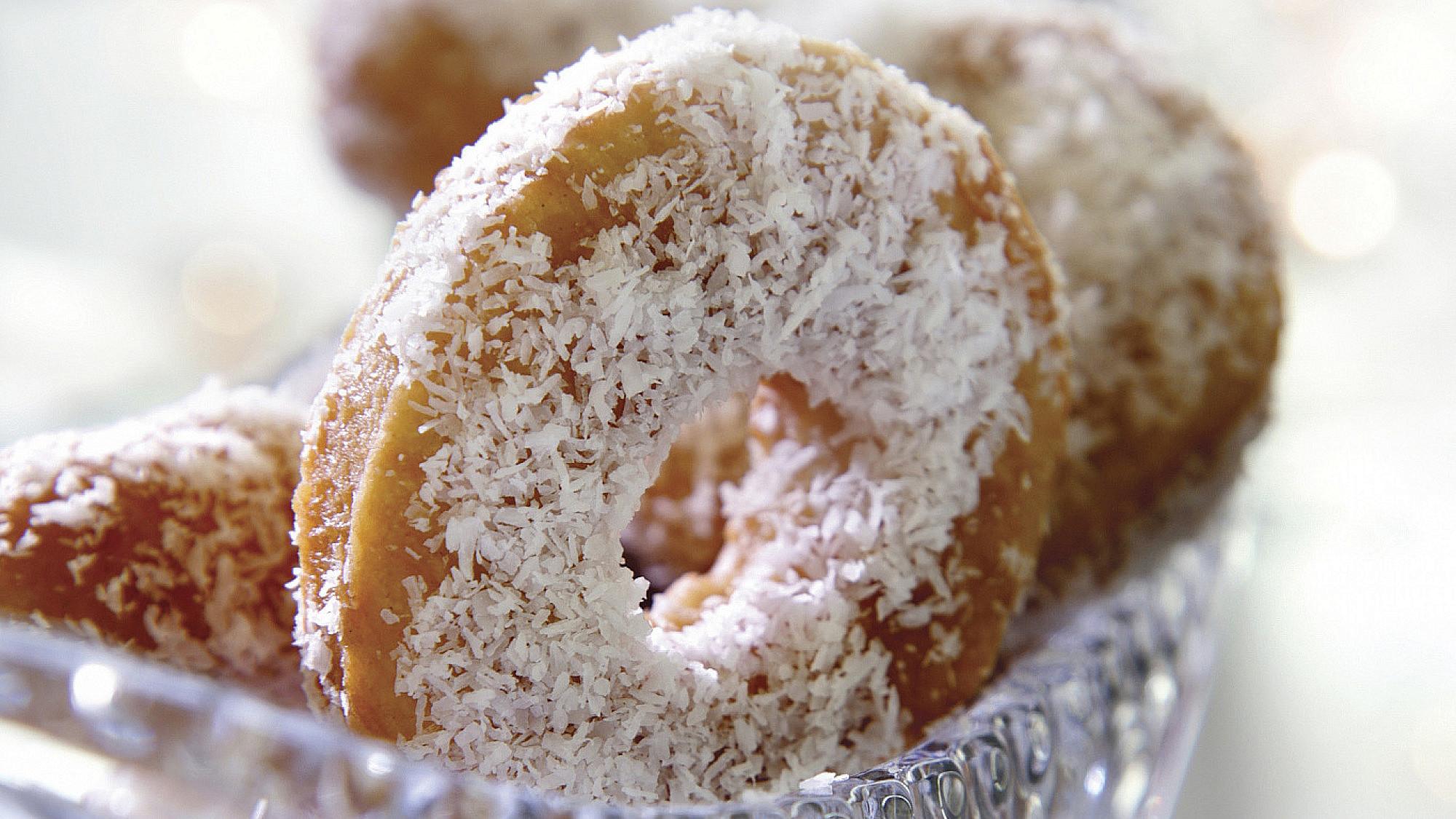 יויו - עוגיות מרוקאיות מבצק מטוגן. צילום: דניאל לילה | סגנון: טליה גון אסיף