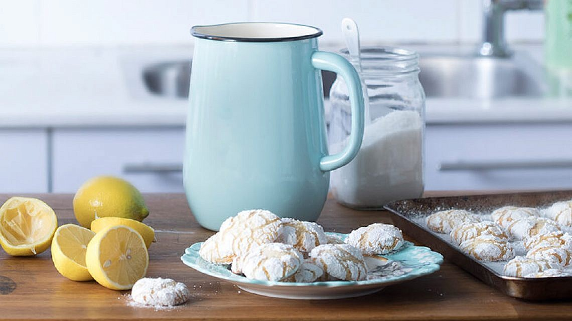 עוגיות לימון מושלגות. צילום: דניאל לילה   סגנון: עמית פרבר