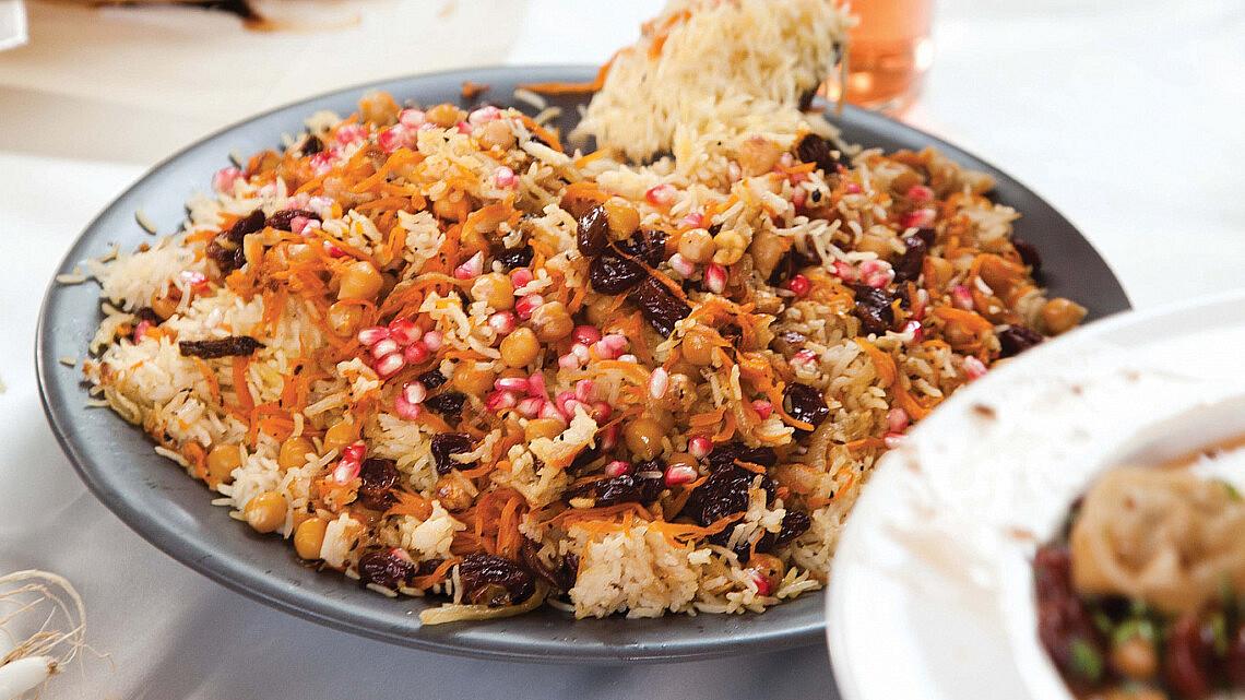 אורז עם גזר, חומוס וצימוקים. צילום: דניאל לילה | סגנון: טליה אסיף