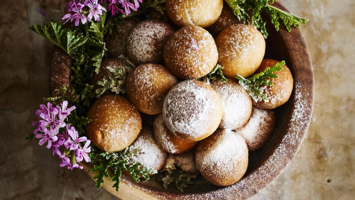 כדורי תמרים ממולאים של נוף עתאמנה אסמעיל. צילום: בן יוסטר