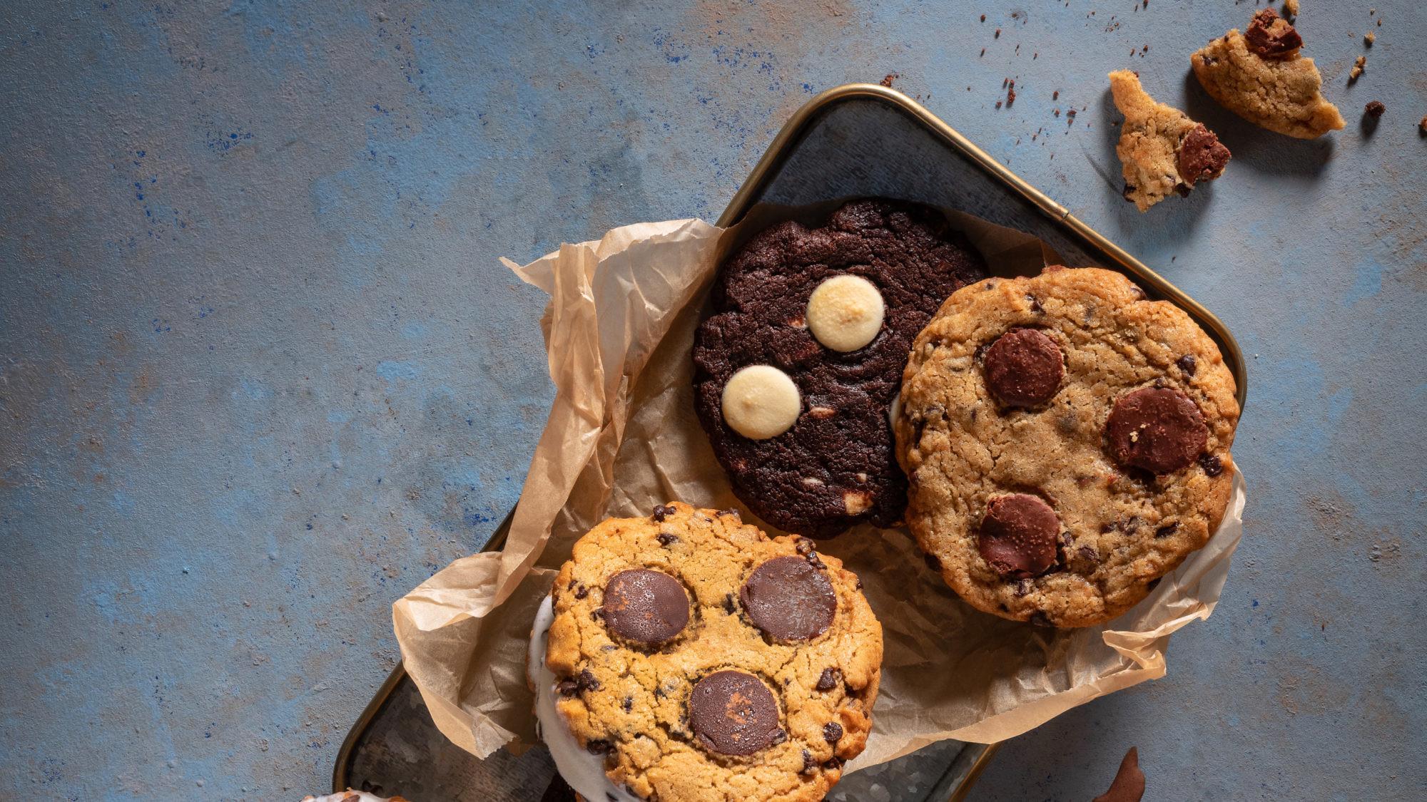 קוקילידה שוקולד צ'יפס עם גלידה וניל של עופר בן נתן. צילום: אנטולי מיכאלו. סטיילינג: ענת לבל