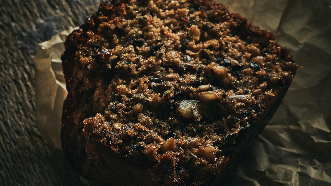 לחם טחינה וגרעינים של ליאור משיח. צילום: אמיר מנחם; זטיילינג: ענת לבל