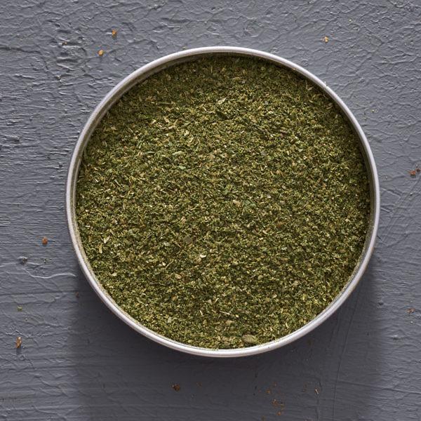 למרק שעועית גיאורגי תערובת תבלינים חמלי סונלי. צילום: אנטולי מיכאלו