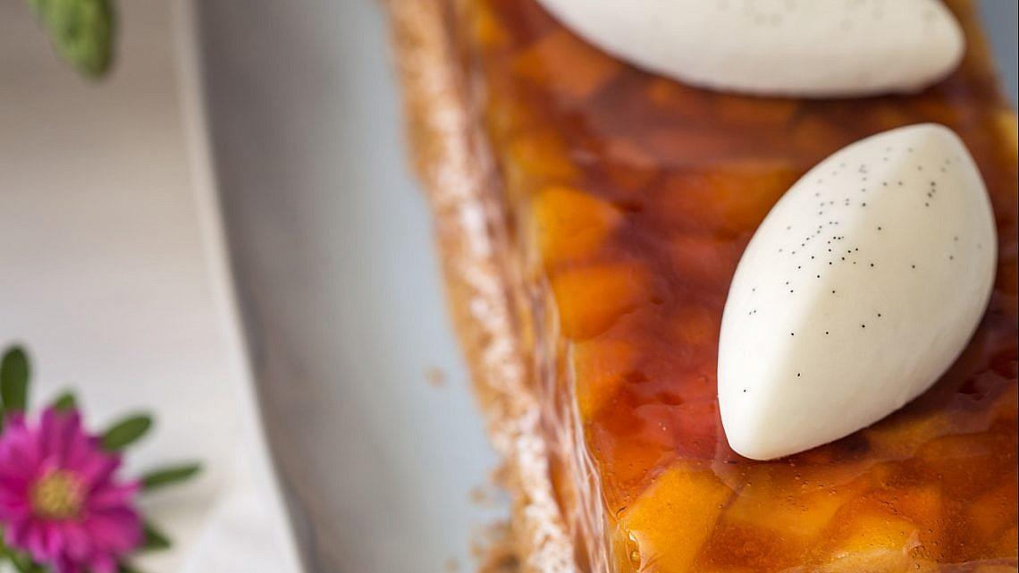קדאיף תפוחים מקורמלים בשונטי שוקולד של שף קונדיטור שלומי פדידה. צילום וסטיילינג: טל סיון צפורין