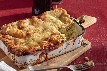 לזניית גבינות של שף ניר ויימן ושף ירון לסר. צילום: אנטולי מיכאלו, סטיילינג: ענת לבל