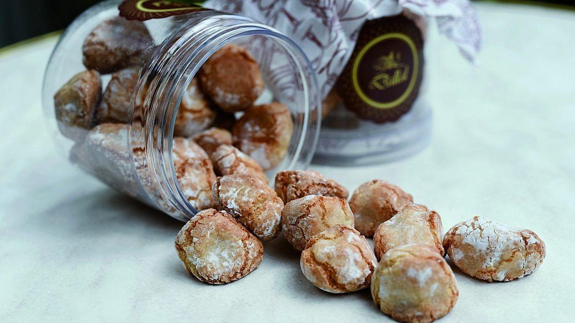 עוגיות האמרטי המטריפות של קונדיטוריה דלאל. צילום: מאיר כהן