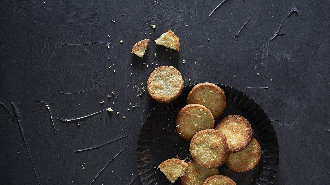 עוגיות תה ולימון של שף-קונדיטור עמית ליברמן. צילום: אנטולי מיכאלו. סטיילינג: ענת לבל
