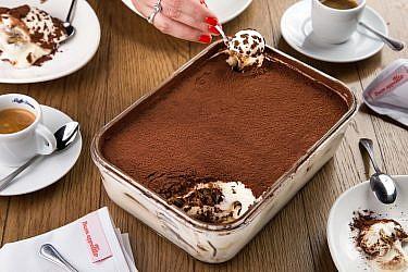 עוגת קרם טירמיסו ללא אפייה של מסעדת טיטו. צילום: שרית גופן