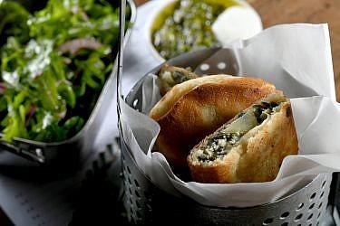 קאדה גבינות של שפים אליעזר מזרחי ואורי נבון ממחניודה. צילום: רן בירן