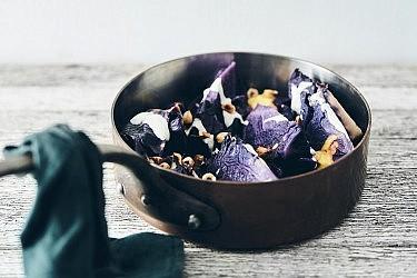 קדרת כרוב סגול של שף יזהר סהר. צילום: אמיר מנחם. סטיילינג: דיאנה לינדר