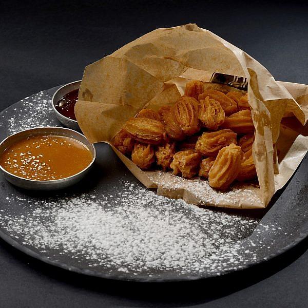 צ'ורוס של שף רם ענתבי. צילום: רן בירן