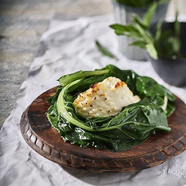 גבינה צלויה של שף ענר בן רפאל. צילום: אנטולי מיכאלו. סטיילינג: דלית רוסו
