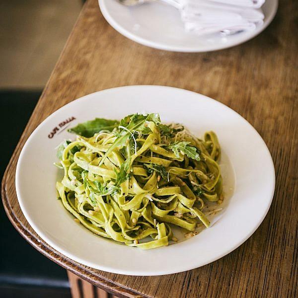 פטוצ'יני ירוק, שמנת וגורגונזולה של ארי ירזין. צילום: דניאל לילה