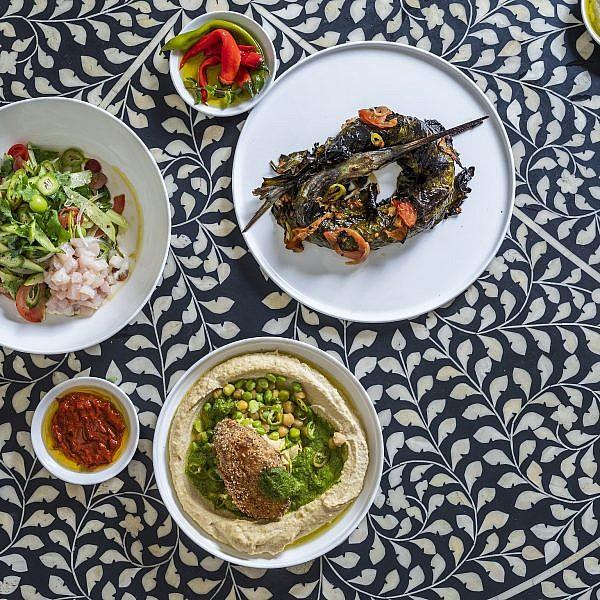 ארוחה יפואית של תומר טל. צילום: אנטולי מיכאלו