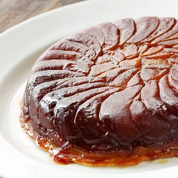 עוגת דבש ותפוחים הפוכה. צילום: shutterstock