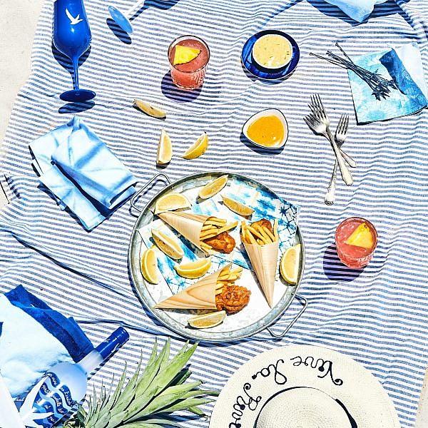 פיש אנד צ'יפס של שף יורי סנצ'וק, ים 7. צילום: אמיר מנחם. סטיילינג: ענת לבל