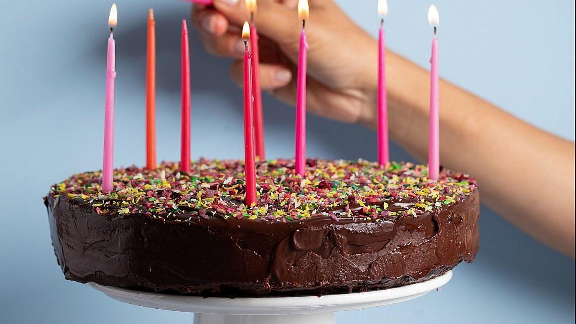 עוגת יום הולדת של רינת צדוק. צילום: שני בריל