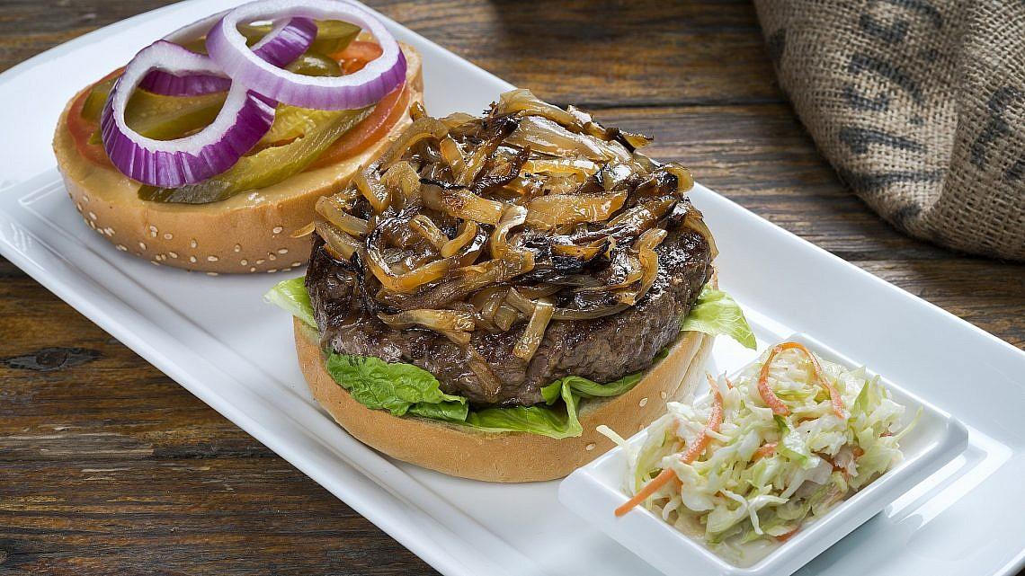 המבורגר אנטריקוט בברביס. צילום: גיל גוטקין