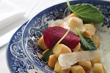 ניוקי פריזאיים של שף יוגב ירוס. צילום: דניאל לילה