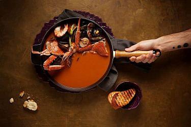 מרק צ'ופינו של שף רז רהב. צילום: אפיק גבאי. סטיילינג: עמית פרבר