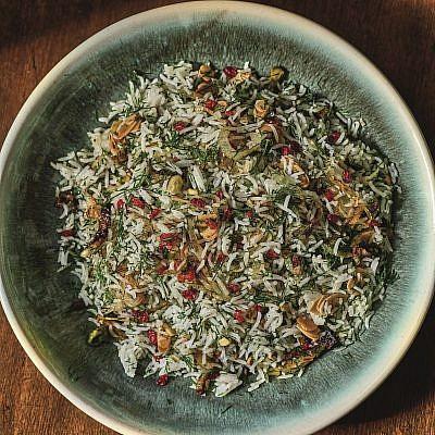 אורז משובץ בזרשק של עדינה זוסמן. צילום: דן פרץ. סטיילינג: נורית קריב