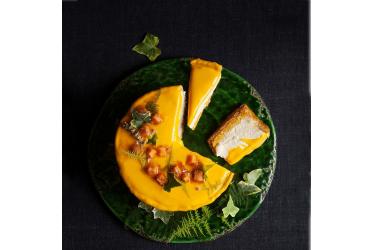 עוגת גבינה עם דלעת ושיבולת שועל של שף רז רהב. צילום: אפיק גבאי. סטיילינג: עמית פרבר