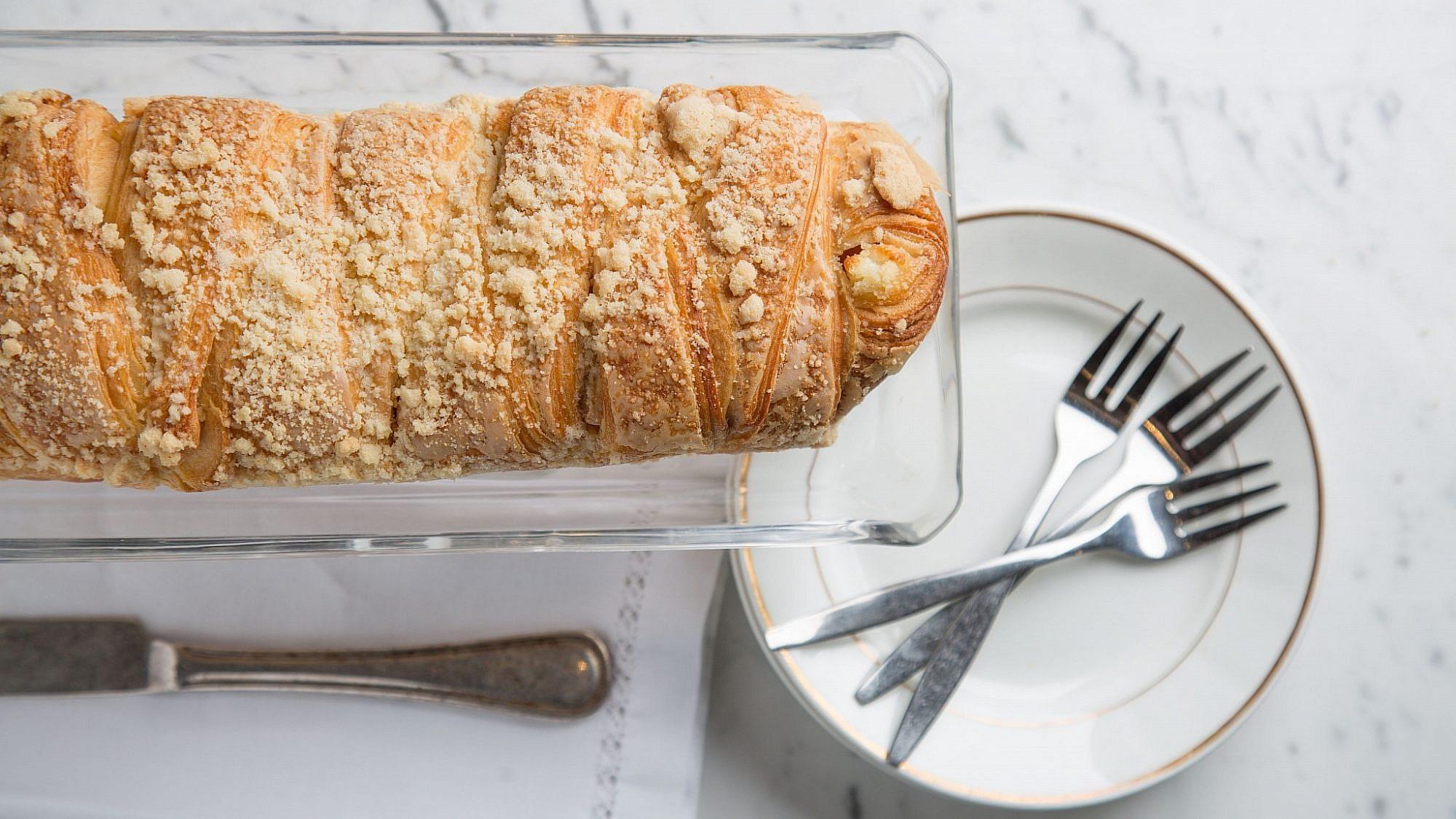עוגת שמרים בבייקרי. צילום: עידית בן אוליאל