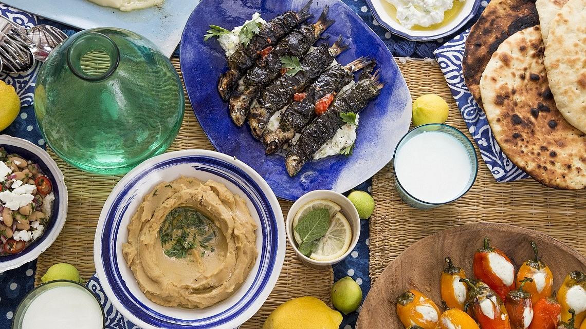 ארוחה יוונית. צילום: דן לב. סטיילינג: דלית רוסו
