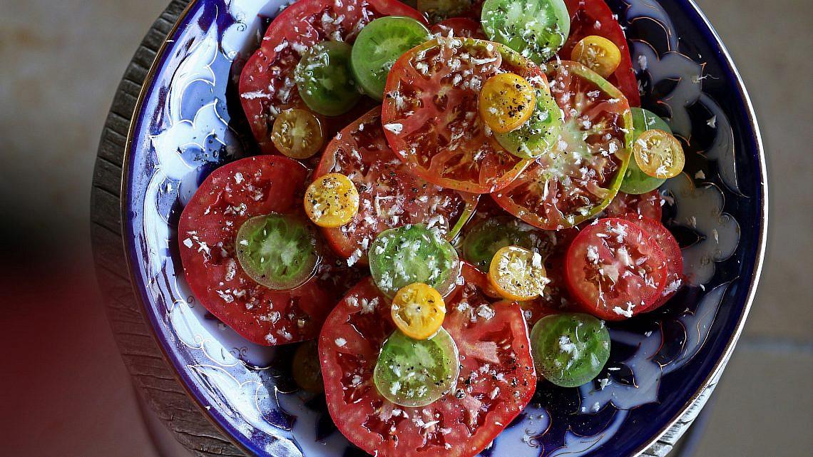Bloody Salad של שף ארז קומרובסקי. צילום: מתן שופן