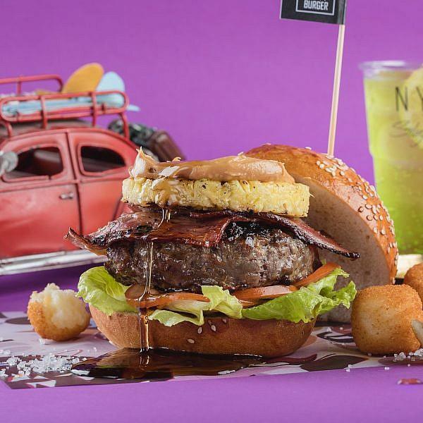 שחיתות המבורגר ב-NYX בורגר. צילום: גל זהבי