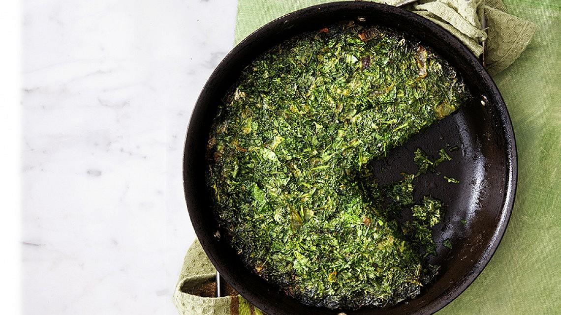 קוקו סבזי - פשטידת ירק פרסית של רותם ליברזון. צילום: דניאל לילה. סטיילינג: דלית רוסו